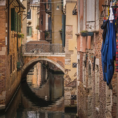 The magic of venice (hjuengst) Tags: venedig venice venezia canal kanal wasser water italy italien italia sanpolo