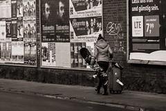 A Star Was Born (Tom Levold (www.levold.de/photosphere)) Tags: cologne fujixt2 köln street xf18135mm sw bw billboards youngwoman jungefrau plakatwand oskarjägerstr