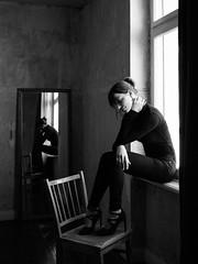 613 (Daniel Hammelstein) Tags: lumix lumixg9 mft microfourthirds availablelight beauty timeless bonn danielhammelstein portrait portraitfotografie fine art grain mood stimmungsvoll