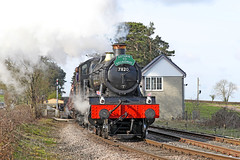 7820 Class 4-6-0 'Dinmore Manor' (Roger Wasley) Tags: 7820 collet manor class 460 dinmoremanor cheltenham racecourse station gwsr gloucestershire warwickshire steam railway trains heritage preservation