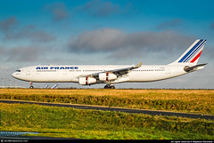 [CDG.2009] #Air.France #AF #Airbus #A343 #F-GLZK #awp (CHR / AeroWorldpictures Team) Tags: air france airbus a340313 msn 207 eng cfmi cfm565c4 reg fglzk history aircraft first flight built site toulouse lfbo delivered airfrance af afr mar2011 leased apollo aviation config cabin c30w21y224 a340 a343 reverse landing plane aircrafts airplane rwy planespotting paris cdg lfpg european airlines nikon d80 nikkor 70300vr raw awp 2009