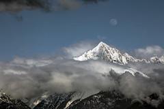 L'aiguille Verte... (oli0205) Tags: alpes savoie hautesavoie lune aiguilleverte canon canon5dmk4