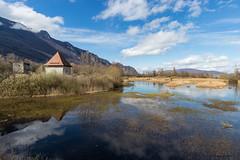 Le château de Thomas II et son marais, au Bourget-du-Lac –Savoie (gerardcarron) Tags: 1022 calme canon80d chateau castle ciel cloud eau france hiver lacbourget winter water