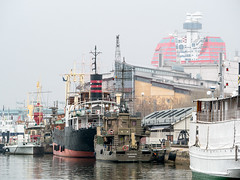 Old ships... (swedeshutter) Tags: gothenburg göteborg haze fog harbour ship operahouse läppstiftet lipstick göta älv maritiman g80 lumix 100300 ii