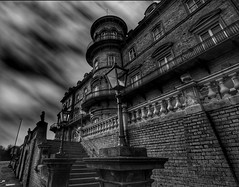 (Baz 3112) Tags: foranyonewhosinterested 500px blackandwhite streamzoofamily blackwhite hdr hdrcollection hdrgallery hdrphotography hdrphoto building perspective