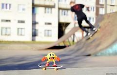 Пакман скейтбордист. Pac-Man little toy figure by Bandai (russian-photographer.ru) Tags: pacman skateboarder skateboard спорт sport toy figure toyfigure fun funny joke прикол ярко смешно забавно игрушка скейтбордист пакман bright skate skater macro макро russia spring россия весна fingerboard april