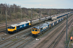 66789 4R71 66709 6M59 Doncaster Down Decoy (British Rail 1980s and 1990s) Tags: gbrf europorte msc largelogo class66 66 freight railfreight sorrento britishrail19481997 6m59 4r71 coal hoppers gbrailfreight 66709 66789 train rail railway loco locomotive er easternregion mainline ecml eastcoastmainline livery liveried diesel yorkshire doncaster blue traction downdecoyyard