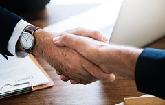 Business Shaking hands (Bestpicko) Tags: business finance businessman handshaking handshake agreement decision