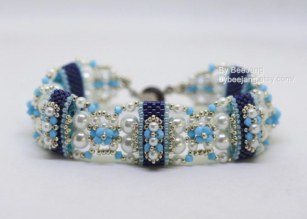 28b51af3b Deepika Carrier Beads Bracelet (BeeJang - Piratchada) Tags: beadweaving beading  beadwork tutorials patterns