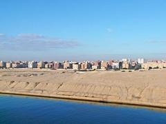 Egypte, Qantara el Gharbiya sur le Canal de Suez (Roger-11-Narbonne) Tags: canal suez port saïd egypte bateau