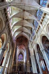 Nef et plafond de la cathédrale d'Auxerre (jjcordier) Tags: cathédrale auxerre yonne intérieur gothique arche nef plafond architecture canonflickraward