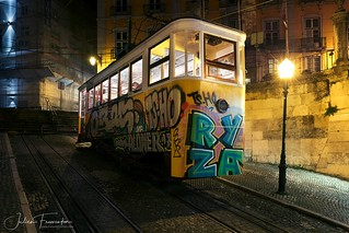 Elevator de Glória, Lisbon