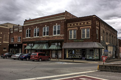 Marion, IL 04 (Christopher Elliot Taylor) Tags: 1252 building architecture townsquare marionillinois southernillinois illinois smalltown mainstreetusa business places travel tourism canont1i affinityphoto outdoors street road sidewalk