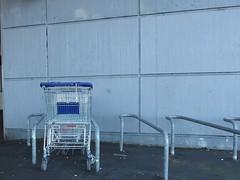 Shopping-Tandem (mkorsakov) Tags: dortmund oespel sbahn fahrradständer bikerack trolley einkaufswagen verfahren grau grey