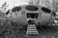 Futuro House (The Dying Light) Tags: futuro futurohouse abandoned decay architecture 2017 canon