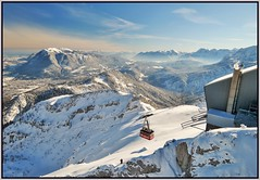 Garmisch Partenkirchen (adr.vesa) Tags: mountains berg panorama landscapes garmischpartenkirchen bavaria bayern germany cablecar bergbahn fog mist nabel city rural sunrise sky winter snow canon