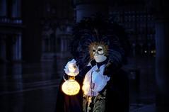 Fiat Lux (Gio_ guarda_le_stelle) Tags: carnevale venezia maschera mask carnival venise venice sanmarco mattina presto alba sunrise cloudy shadow light glow