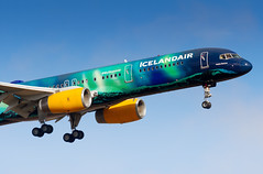 TF-FIU Icelandair Boeing 757-256 (buchroeder.paul) Tags: bikf kef keflavik international airport iceland final tffiu icelandair boeing 757256