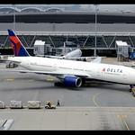 B777-232/ER | Delta Air Lines | N860DA | HKG thumbnail