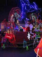 Santa and Helpers (BunnyHugger) Tags: bugsbunny christmas float mascot mexico parade santaclaus sixflags sixflagsmexico sylvester