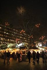 DSC03635 (margaret.metzler) Tags: 2012 hamburg germany deutschland winter weihnachten festive weihnachtsmarkt christmasmarket christmas snow gerharthauptmannplatz night