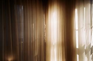 13_curtain