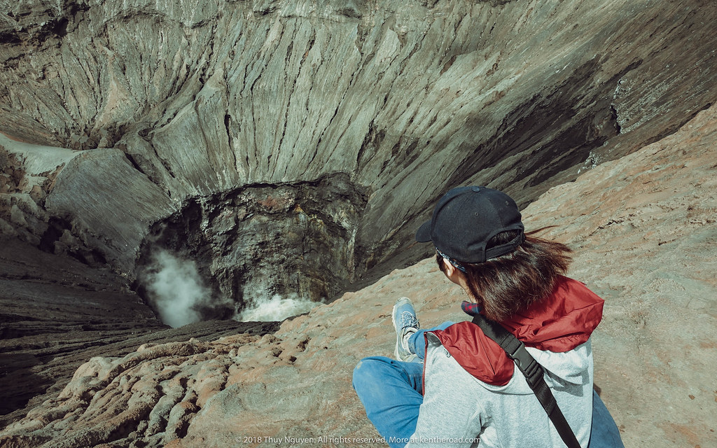 Trên miệng núi lửa Bromo