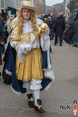 Maskenzauber (Norbert Kiel) Tags: mann weis gold blau hamburg maskenzauber masken zauber venedig italien deutschland alster verkleidung kostüme nokiart