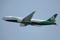 "Boeing, 777-F5E, B-16781, ""Eva Air Cargo"", Hong Kong (Daryl Chapman Photography) Tags: br eva b16781 boeing 777 77f departure 07r cargo freighter hongkong china sar vhhh hkia hongkonginternationalairport clk cheklapkok 777f5e 1526 62824 evaaircargo"