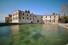 Lago di Garda_1 (Ivo Mar Marchesini) Tags: lagodigarda instagarda puntasanvigilio locandasanvigilio gardaoutdoors lagodigardaofficial water lago lakegarda gardalake gardasee