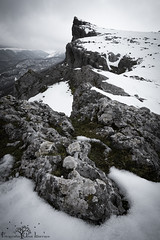 Camino hacia el cielo. (Fotografias Unai Larraya) Tags: paisajes naturaleza ngc navarra nieve altodelizarraga urbasa piedra montaña invierno