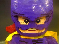 Batgirl selfie (http://oba-k3.wixsite.com/davidsalguero) Tags: lego juguete toys minifigures blocks bricks bloques ladrillos escultura sculpture kids fichas batgirl