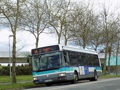 Irisbus Agora S €3 n°122 (ChristopherSNCF56) Tags: rennes star bus autobus metropole transport urbains renault irisbus agora