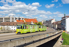 U Kapucínov | ČKD Tatra T6A5 | Ev. č. 7927+7928 | Bratislava | Kapucínska ul. (lofofor) Tags: električka tram tramvaj ba čkd tatra t6 tatrat6 t6a5 kapucíni bratislava kapucínska city citycentre centrum mhd public transport publictransport dúbravka rača starémesto zochova staromestská nadjazd oblaky clouds obloha kostol reklama prima banka 7927 7928