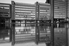 Atrium Tower (Pascal Volk) Tags: artinbw schwarz weis black white blackandwhite schwarzweis sw bw bnw blancoynegro blanconegro langzeitbelichtung bulb longexposure largaexposición slowshutter poseb spiegelung reflexion reflection reflexión reflejo réflexion wasserspiegelung reflexióndelagua waterreflection architecture architektur arquitecturaarquitectura canoneos6d sigma24mmf14dghsm|art 24mmf14 24mmlens unpointquatre onepointfour pianosee berlin tiergarten berlinmitte leefilters lee9ndsoft graduated lee6stop leelittlestopper nd64x dxophotolab 24mm wideangle weitwinkel granangular superwideangle superweitwinkel ultrawideangle ultraweitwinkel ww wa sww swa uww uwa manfrotto mt055xpro3 468mgrc2 7dwf