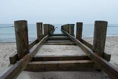 Kühlungsborn - Holzkonstruktion am Strand (Teelicht) Tags: balticsea deutschland germany kühlungsborn küste meckpomm mecklenburgvorpommern meer ostsee strand beach coast sea