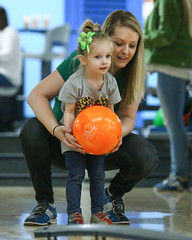 2018_Zoey_Bowling-25 (Mather-Photo) Tags: 2018 andrewmather andrewmatherphotography bowling candid canon children environmentalportraits family girl gladstonebowl green indoors inside kansascityphotographer matherphoto neice people photography portrait saturday sports sportsphotography stpatricksday zoeygrace zoeymccracken child cute fun kid