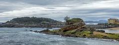 Santander (Carlos SGP) Tags: santander cantabria bahía mar cantabrico landscape mer sea peñavieja playa sardinero peninsuladelamagdalena españa es rock roca