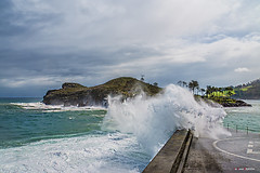 Olatuak Lekeition (Jabi Artaraz) Tags: olas lekeitio mar