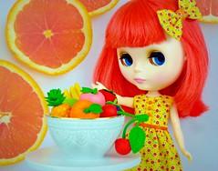 Eat More Fruit (Leslieshappyheart) Tags: simplybubbleboom blythedoll blythehappydress fruit orange