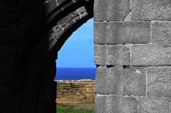 (Jean-Luc Léopoldi) Tags: bretagne cutout mer gothique abbaye ruines horizon