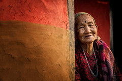 Old woman in Ramkot, near Bandipur (puuuuuuuuce) Tags: purple portrait nepal ramkot bandipur