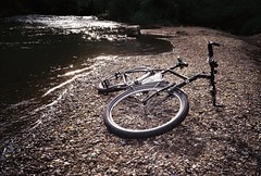 By the river (luka.pezerovic) Tags: olympusxa2 xa2 xa olympus zonefocus 35mm 35mmfilm 35mmcamera vintagecamera zuiko agfavista agfavista200 filmisnotdead filmphotography ishootfilm istillshootfilm buyfilmnotmegapixels surlylht surly surlybikes bicycle bikeride nature river beach