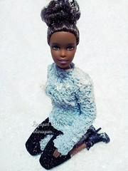 (Linayum) Tags: barbie barbiedoll barbiemadetomovefitness barbiemovimientossinlimites mattel doll dolls muñeca muñecas toys juguetes winter snow ganchillo handmade crochet hechoamano linayum