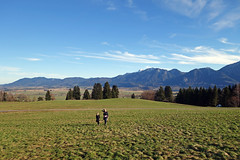 2017-12-31 Schlehdorf, Kochelsee, Kreut-Alm 019 (Allie_Caulfield) Tags: foto photo image picture bild flickr high resolution hires jpg jpeg geotagged geo stockphoto cc sony rx100 2 ii 2017 silvester winter alpen alps bavaria oberbayern schlehdorf kochelsee see lake oberland voralpen viewpoint hike wanderung blue sky