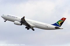 ZS-SXK (renanfrancisco) Tags: southafricanairways sa saa staralliance airlines a330 airbusa330 springbok airport aeropuerto aeroporto gru sbgr gruairport guarulhosairport spotting morrinho zssxk a333 airbusa330300 takeoff despegue decolagem a330300