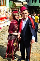 Newly wed couple in Cumalikizik, Bursa, Turkey (CamelKW) Tags: 2018 bursa turkey newlywed couple cumalikizik