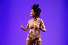IMGP5034 (i'gore) Tags: montemurlo teatro fts salabanti fondazionetoscanaspettacolo donna donne libertà felicità ritapelusio satira ironia marcorampoldi pemhabitatteatrali