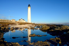 Scurdie Ness Lighthouse, Angus (iancowe) Tags: scurdie ness scurdieness lighthouse ferryden montrose angus scotland scottish nlb northern board northernlighthouseboard tower south esk north sea reflection morning sunrise rockpool stevenson water