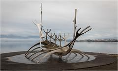 Reykjavík . The Sun Voyager (:: Blende 22 ::) Tags: reykjavík iceland sólfar jóngunnarárnason sæbraut canoneos5dmarkiv ef2470f28liiusm reykjavik europe wikingerschiff